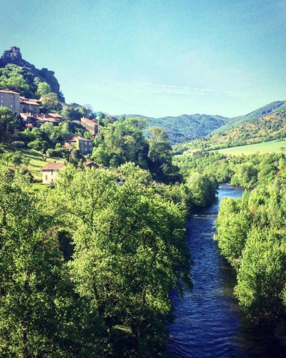 Saint-Ilpize et l'Allier vu du pont